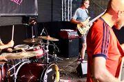 Band sucht SÄNGER in