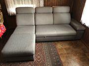 Neuwertiges Sofa