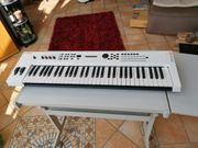Yamaha MX 61 V2 white
