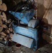 Brechmühle für Getreide historische landwirtschaftliche