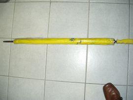 VW neuer Automatic Regenschirm in gelb von VW u.Knirps in hellgrau..