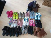 20paar damen Schuhe Stiefel