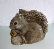 Original Sandicast Eichhörnchen Nuß Handarbeit
