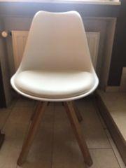 Stuhl mit weißem Leder Polster