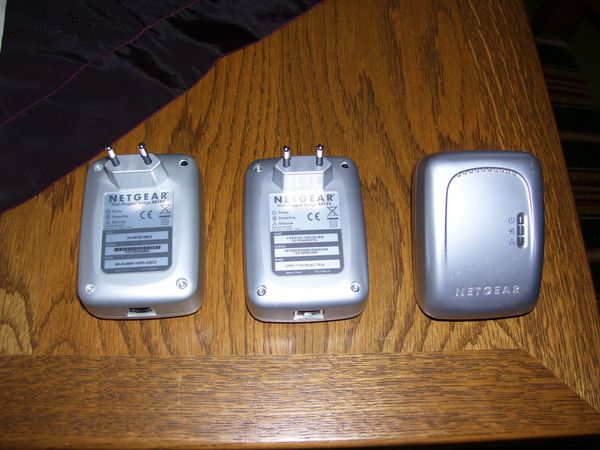 3 Netgear Powerliner