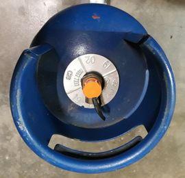 Campingartikel - 7 kg blaue englische Butangasflasche
