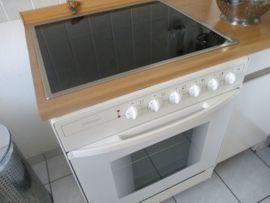 Einbauküche weiß mit Stahlgriffen: Kleinanzeigen aus Schwalbach Limesstadt - Rubrik Küchenzeilen, Anbauküchen