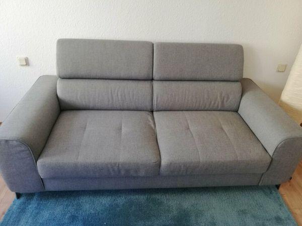 2-Sitzer Sofa zu verkaufen