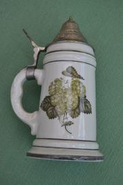 Verkaufe Bier-Porzellankrug mit Zinndeckel und