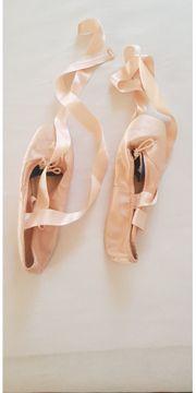 Spitzenschuhe für Ballett