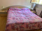 Bett und 2 Kommode