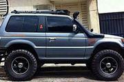 Suche einen reperaturbedürftigen Geländewagen Mitsubishi