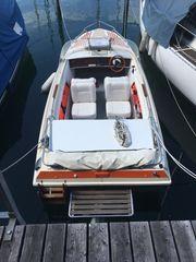 schönes Motorboot mit Bodenseezulassung