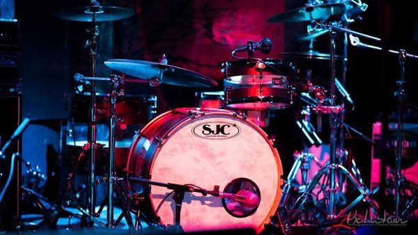 Schlagzeugerin gesucht urgent