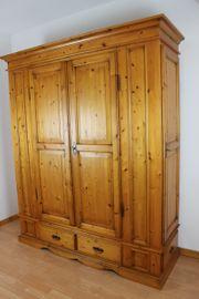 Dielenschrank Echtholz 3-Seiten Zugang 200x170x56