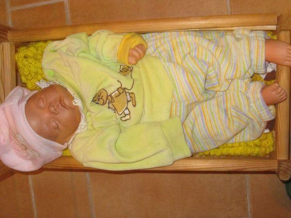 selbst gemachte Porzellanpuppe als Baby