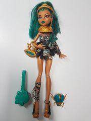 Monster High Puppe Nefera de
