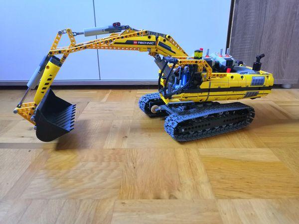 Lego Technic 8043 Motorisierter Raupenbagger