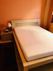 Bett Rost Nachttisch bei Bedarf