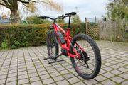 E-Mountainbike Trek FS 7 rot