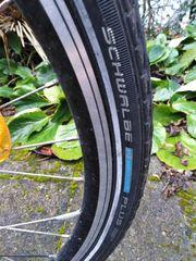 28Zoll Hinterrad mit Marathon Reifen