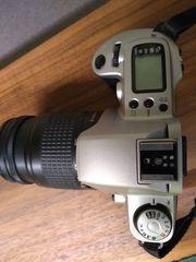 Canon EOS 500N Spiegelreflexkamera mit