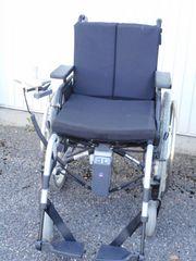 Rollstuhl 3 Jahre alt mit