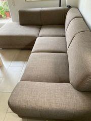 Schöne bequeme Couch mit Bettfunktion