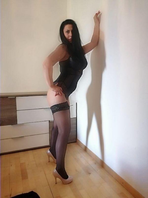 Meliha Tiefe Kehle Queen