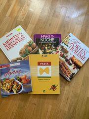 Viele Kochbücher und Krimis Bücher
