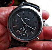 Gut gepflegte FUNK-Marken-Armbanduhr Lederarmband