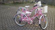 Mädchen Kinder Fahrräder drei Monate