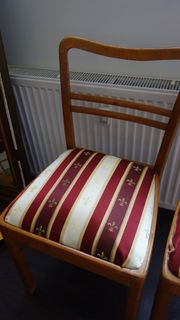 Stuhl Holz mit Polsterung