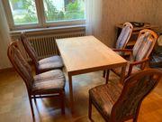 Tisch mit Stühlen abzugeben