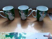3 große Kaffeetassen grün