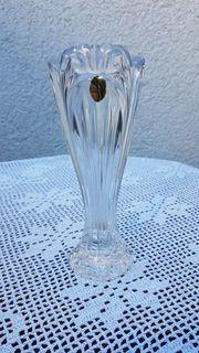 Klassisch-schöne zierliche Bleikristall-Vase