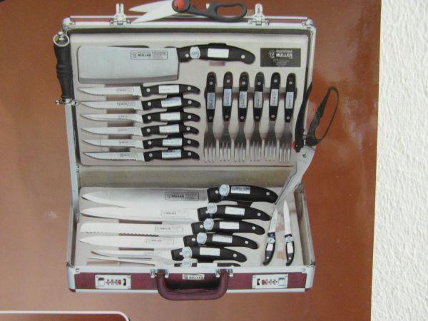 24-teiliges Messer-Set im Diplomatenkoffer