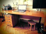 Büroausstattung Schreibtisch Schränke Container Sessel