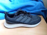 ungetragen neu Adidas Schuhe