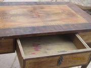 antiker intarsierter Tisch