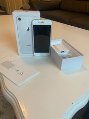 IPhone 8 64 GB Silber