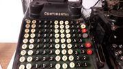 Alte Rechenmaschine Continental der Firma