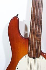 Music Man Stingray 4 fretless -