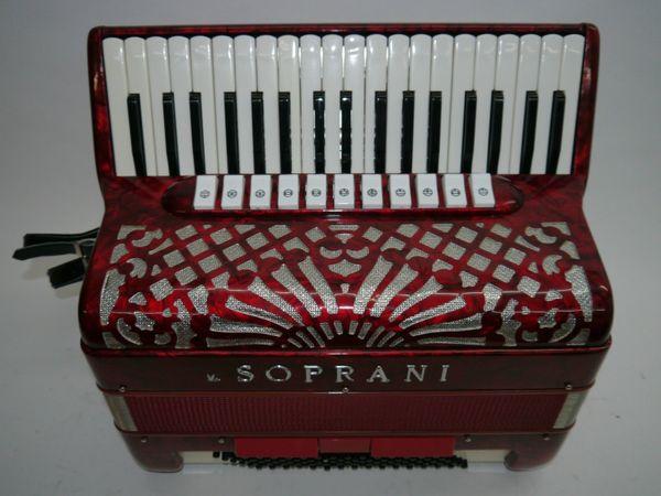 Akkordeon v Soprani 96 Bass