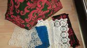ältere Tischdecken und Deckchen