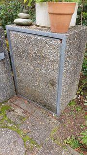 Verschenke Mülltonnenbox und Säulen aus