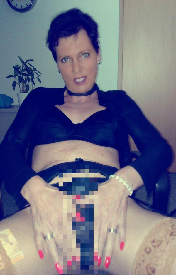 Sexy Trans-Lady gibt dir einen