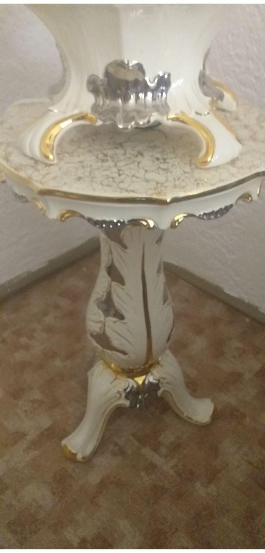 Italienischer Porzellanbrunnen mit Tisch Selber