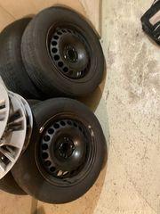 4 Reifen mit Stahlfelgen