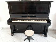 Blütener Klavier Mocell M-140